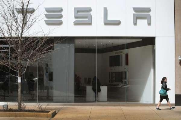 Суд США виніс вирок російському хакеру, який хотів взламати комп'ютерну мережу Tesla