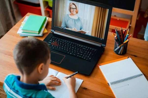 Школярі знову можуть перейти на дистанційне навчання: назвали причину