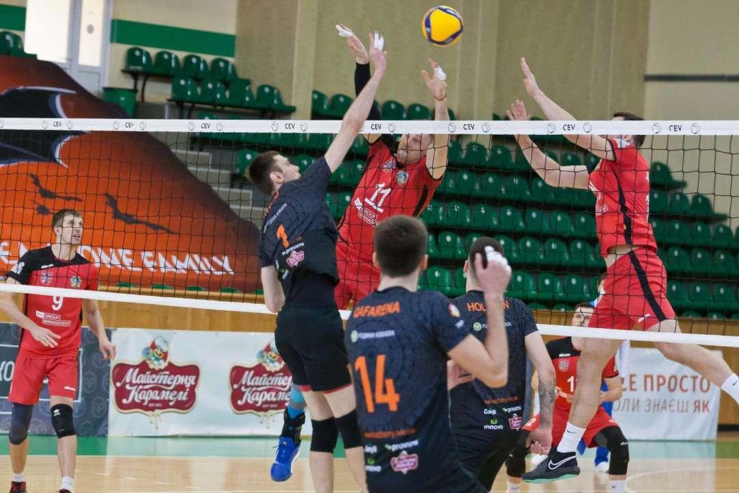 Відбулися перші матчі півфінальних серій чоловічого чемпіонату України