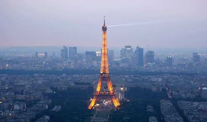 Безвиз снова действует: Франция открыла границы для туристов из Украины