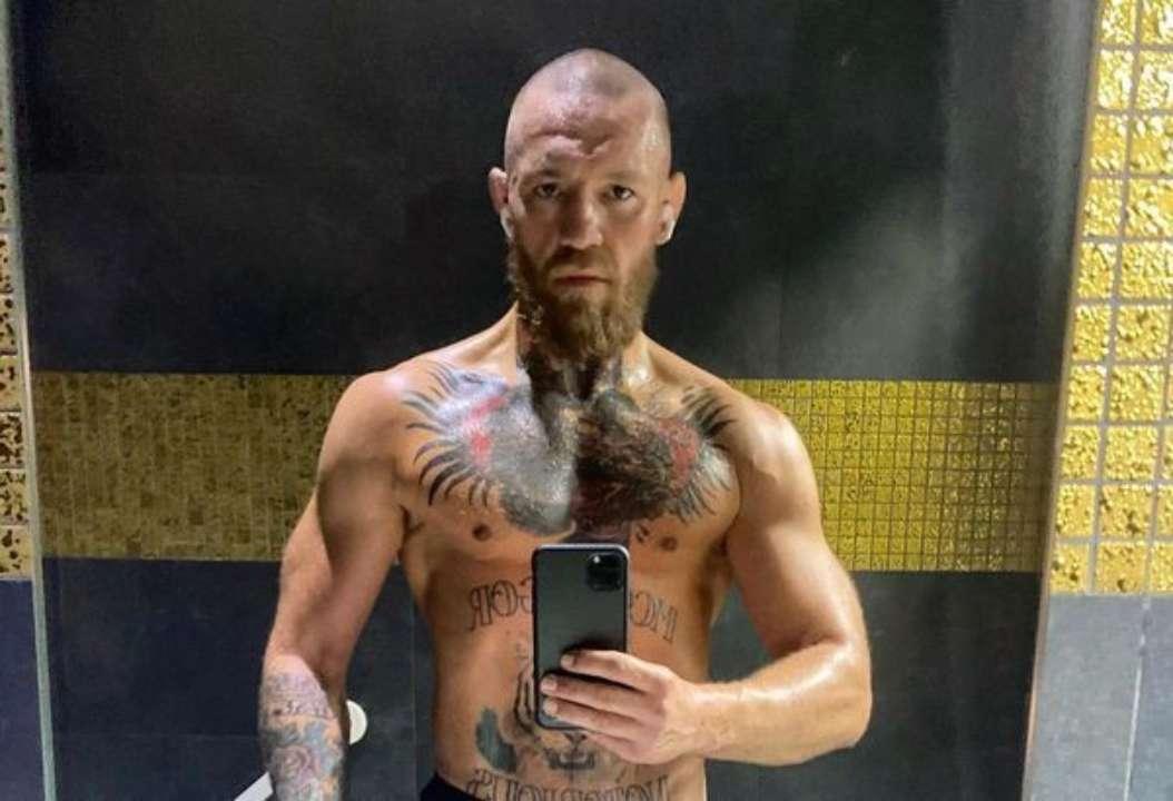 Нокаут у першому раунді. 8 років тому Макгрегор дебютував в UFC