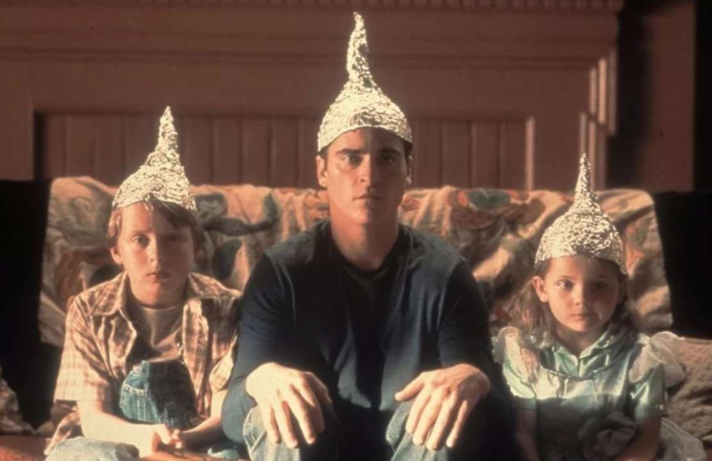 Психологи пояснили, чому деякі люди схильні вірити конспірологічним теоріям