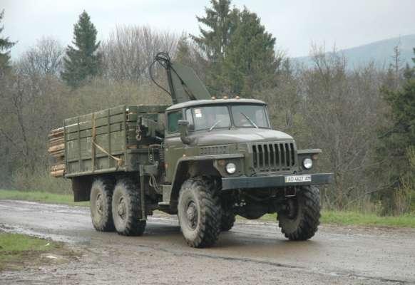 В Ровенской области произошло страшное ДТП: колесо отлетело от грузовика и убило пешехода