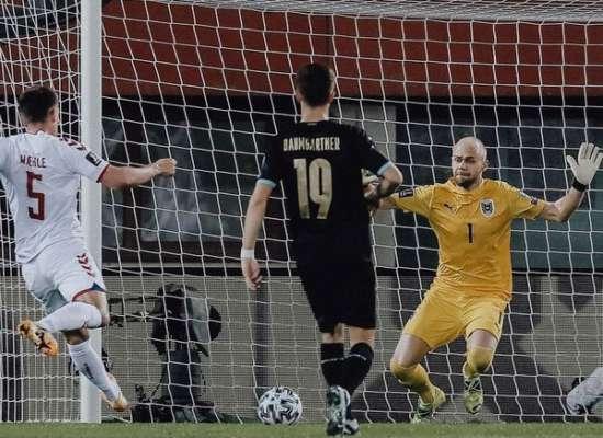 Група F. Данія всуху розбила Австрію, Соломон забив за Ізраїль