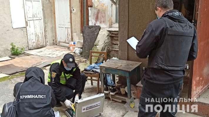 Жестокое убийство с ограблением в Одессе: тело мужчины нашли в диване