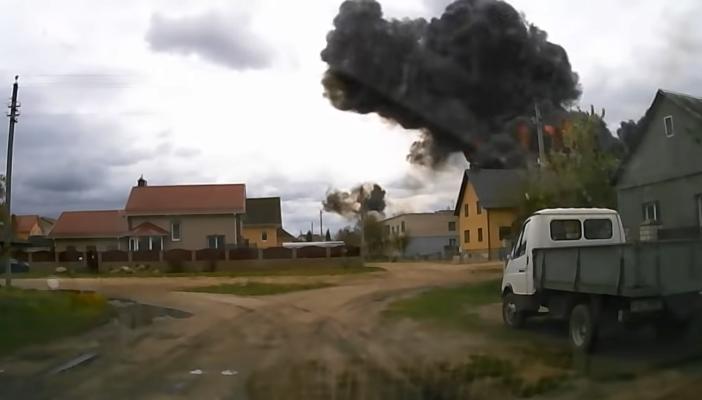 Авиакатастрофа в Беларуси: момент падения самолета попал на видео