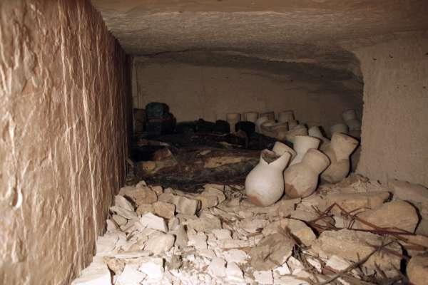 Археологи знайшли в Одесі старовинну посудину з молюском