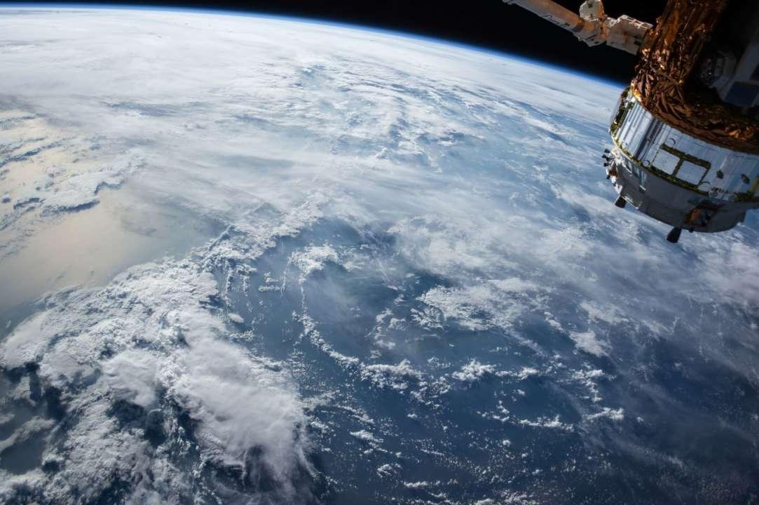 Україна і SpaceX ведуть переговори про спільний запуску супутника
