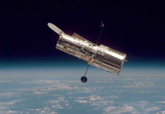 Нереальна краса: Hubble сфотографував кулясте скупчення зірок у сузір'ї Стрілець