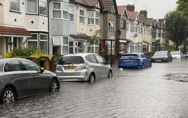 Лондон накрыл ливень