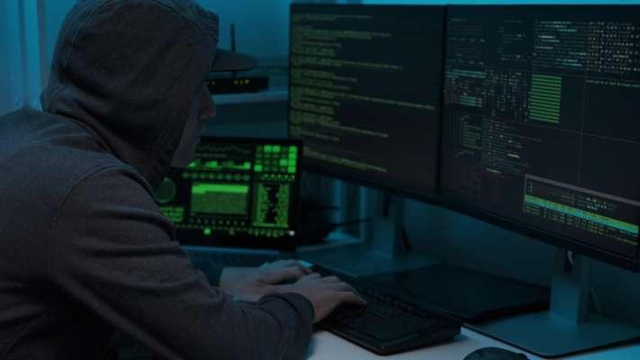 У кіберполіції розповіли, як шахраї знаходять жертву