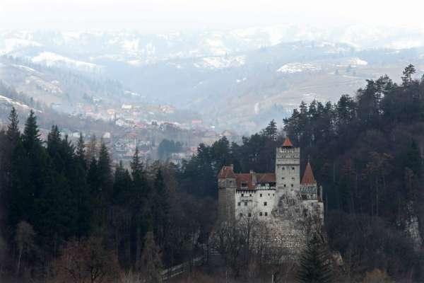 В Румынии в замке графа Дракулы обустроили центр вакцинации