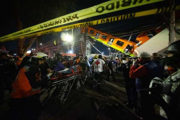 В столиці Мексики обвалився міст разом з вагоном метро: є загиблі. Фото