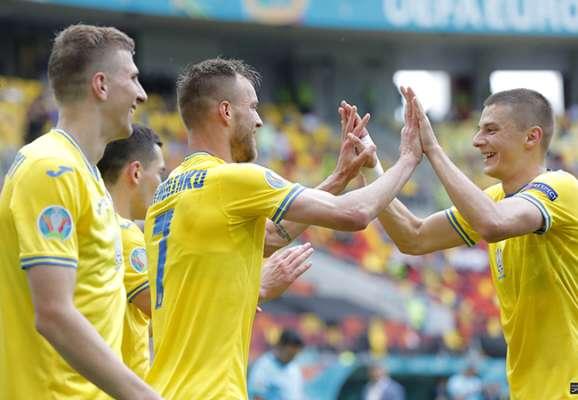 Есть три очка! Украина в нервном матче обыграла Северную Македонию