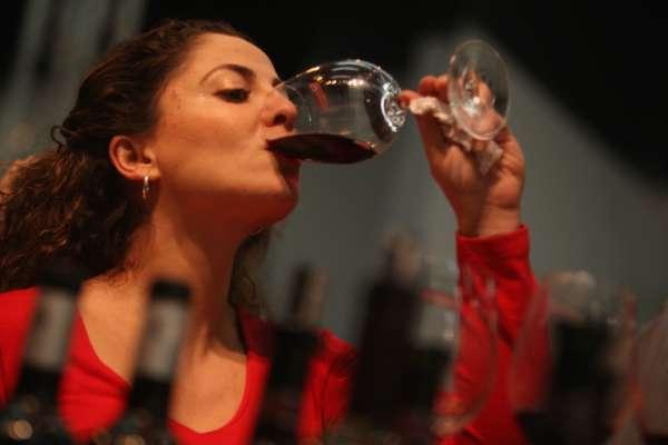 ВОЗ призывает запретить женщинам детородного возраста употреблять алкогольные напитки