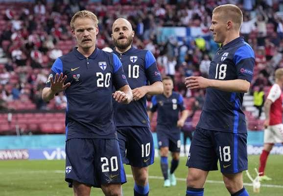 Когда футбол отошел на второй план. Финляндия сенсационно обыграла Данию