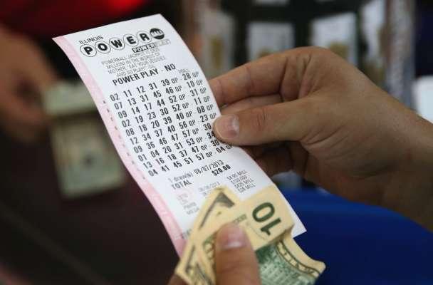 У США чоловік 30 років ставив на одну й туж комбінацію в лотереї. Тепер він мільйонер