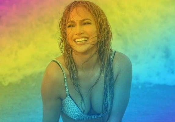 Дженнифер Лопес отдохнула на роскошной яхте в купальнике