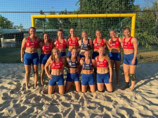 Женскую сборную Норвегии по гандболу оштрафовали за то, что спортсменки отказались играть в бикини