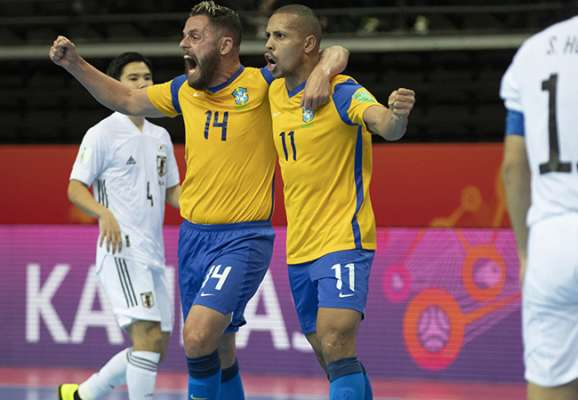 Бразилия, Аргентина и Казахстан вышли в 1/4 финала футзального ЧМ