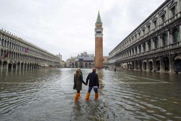 Наводнения в Венеции: центральная площадь города оказалась под водой. Видео
