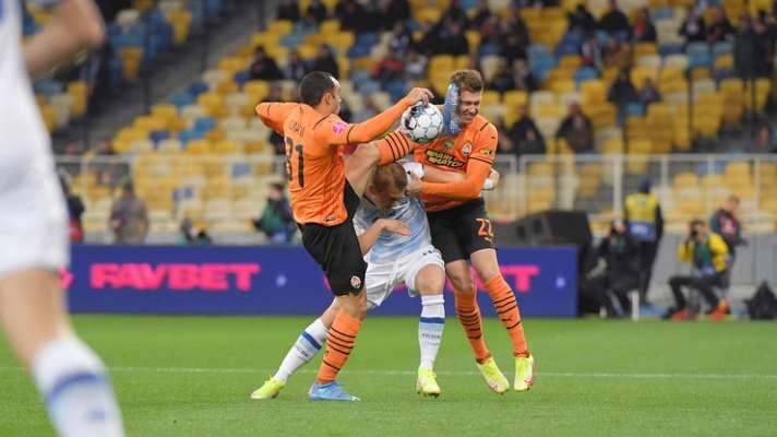 Жорстокий удар! Футболісту Шахтаря розбили голову в матчі з Динамо. Відео