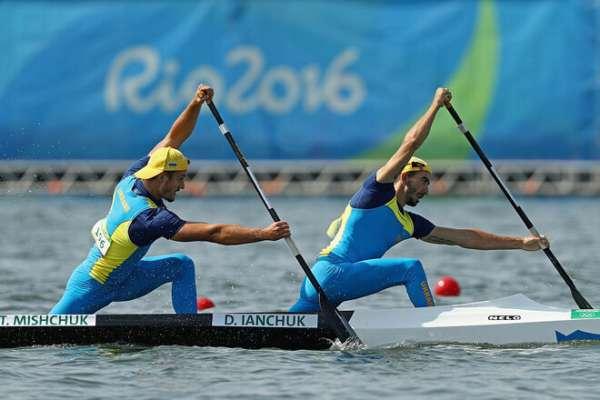 Каноэ-двойка: Янчук и Алтухов показали второй результат в четвертьфинале