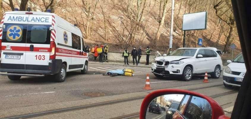 Во Львове произошла смертельная ДТП с участием курьера Glovo