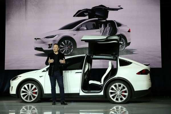 Новые модели Tesla лишатся привычного руля: чем его заменят — МЕТА Новости