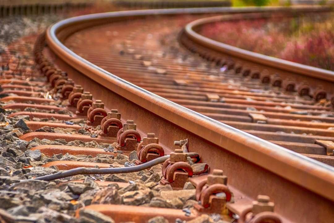 В Одессе 81-летняя женщина бросилась под грузовой поезд