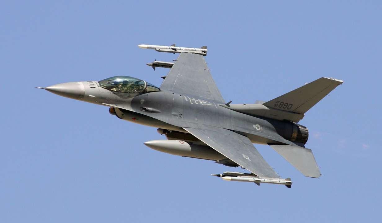 ВВС США перебросили в Польшу несколько десятков истребителей