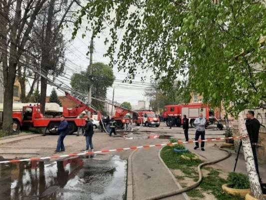 У Вінниці спалахнула масштабна пожежа: є жертви