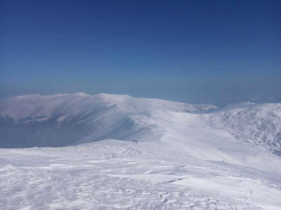 Заснеженные горы Карпат