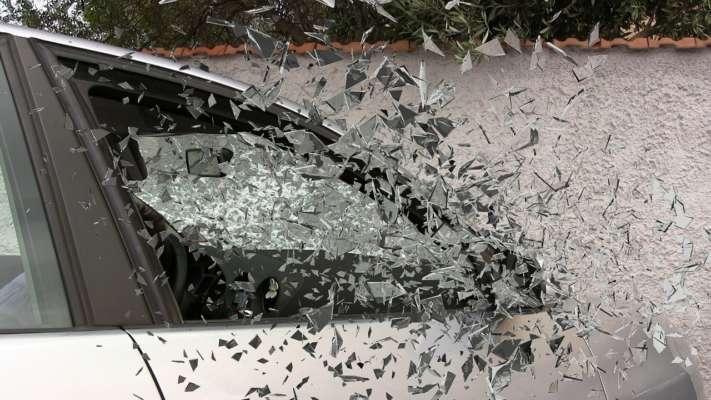 В Сумах автомобиль влетел в толпу людей