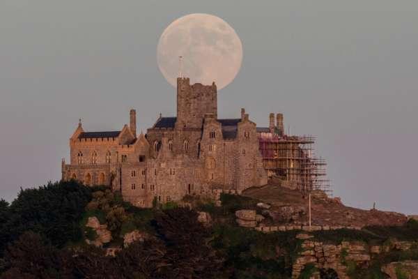В Англії шукають доглядача замку на ізольованому острові. Фото
