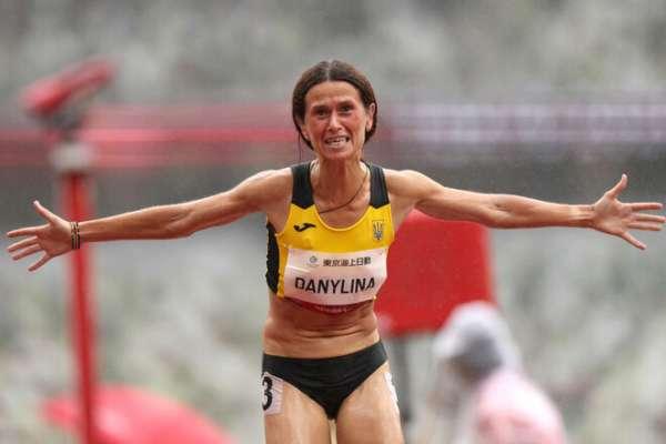 Данилина стала второй в забеге на 1500 метров